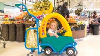 Шоппинг экзотические фрукты для Маша и Медведь Необычные напитки и еда в Тайланде Влог для детей