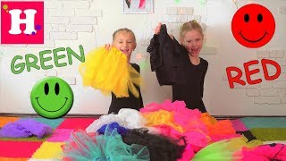 Learn colors with gymnasts  Учим цвета с гимнастками  english colors