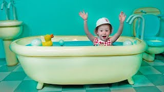Свинка Пеппа парк Аттракционов для детей Дом Пеппы Peppa Pig House Funny amusement park for kids
