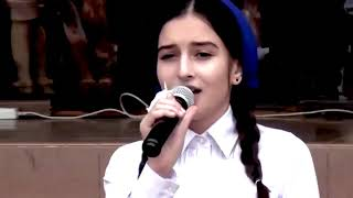 Красивая Чеченская Песня Маме - Вся школа в слезах!
