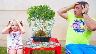 Настя и папа вырастили денежное дерево и купили игрушки