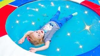 Детская игровая площадка Развлечение для детей VLOG Playground Детское видео Снупи и мелочь пузатая