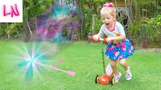 Сюрпризы и волшебство Распаковка редких сюрпризов Хелло Китти и Барби Видео Для Детей Киндер сюрприз
