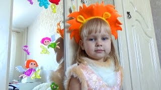 Алиса украсила окна и зеркала дома Entertainment for children Decorate the house for the holiday