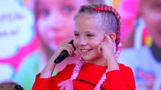 Фан ВСТРЕЧА с НИКОЛЬ И АЛИСОЙ  Дети танцуют Кики Челлендж
