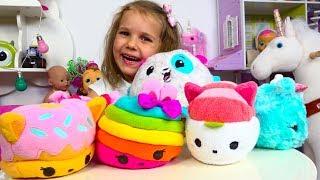 Мисс Кейти сама сняла видео о новых игрушках