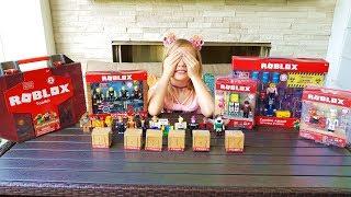 Подарки от ПАПЫ для Николь! Играем РОБЛОКС. Распаковка игрушек