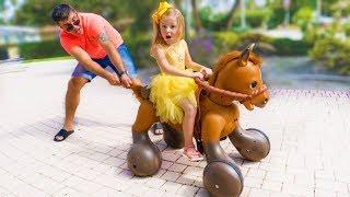 Настя и новая игрушка Пони