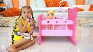Диана и Кукла Лилу играют в прятки