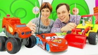 Машинки Вспыш и Маквин - Играем в кафе на дереве