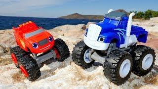 Видео для детей. Чудо машинки и игры Гонки в песке