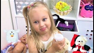 Алиса показывает свои ИГРУШКИ  Мягкие игрушки и Фёрби для детей