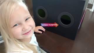 Алиса играет с новыми игрушками - YELLIES toys for kids