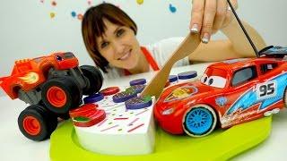 Вспыш и Рык, Маквин и игрушки Киндеры в видео для детей