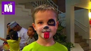 Макс в Дубаи День 3 делает Киндер шоколад в детском городке профессий Кидзания VLOG Dubai Kidzania