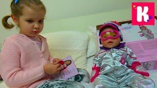 Катя и кукла Эмили примеряют новую одежду и едут за новой коляской для куклы НО что-то пошло не так