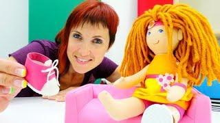 Маша Капуки и Лева готовят Кукольныи домик для Бьянки.