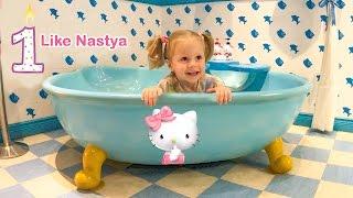 Кити и 1 год каналу ЛАЙК НАСТЯ в гостях у Hello Kitty Мультфильм для детей Детский влог for children