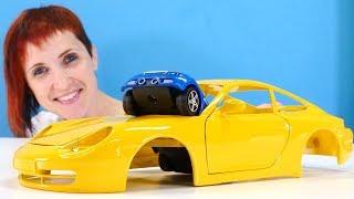 Видео про машинки. Спиди и Капуки собирают Порше 911.