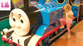 ТОМАС город Развлечений Для детей и малышей как в Мультике Паровозик Томас и Его Друзья ВЛОГ Thomas