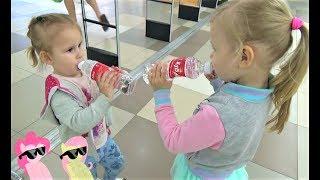 Детки в магазине  Алиса и подружки покупают вкусняшки  Сколько МУЛЬТЯШЕК в видео Алисы ?
