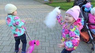 Алиса в Краснодаре Встреча с подружкой Алиной Дети гуляют и играют парке Развлечение для детей