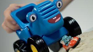 Синий трактор. Гонки с Инспектором Зи и обезьянкой Банги