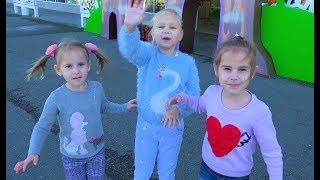 Алиса и ее подружки гуляют в Сочи Парк. Мими Лисса для детей