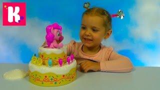 Пинки Пай в торте играем в игру с шариками Poppins Pinkie Pie  and play game