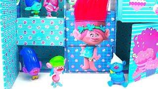 Сюрпризы и Куклы из мультика Тролли. Игровой набор