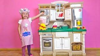 Свинка Пеппа. ИГРАЕМ В ПОВАРА на новой детской кухне