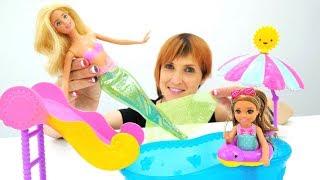 Куклы Барби играют в английский магазин. Игры для девочек