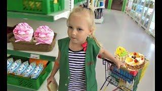 Алиса работает МОДЕЛЬЮ  Алиса играет в детском развлекательном центре Минополис