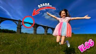 Влог Таинственный Древний Мост Вику Покусали / Вики Шоу