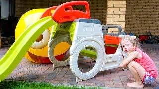 Настя и весёлые видео про живые игрушки