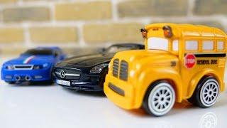 Машинки собирают конструктор - Mercedes Benz и Mini Cooper