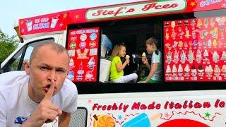 Макс и Катя играют в Вагончике с мороженным