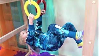 Классная детская комната Развлечения для детей Детский городок и много игрушек для детей